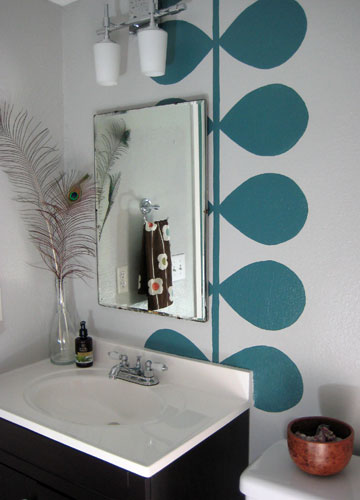 Bathroom designs teal for Teal and gray bathroom ideas