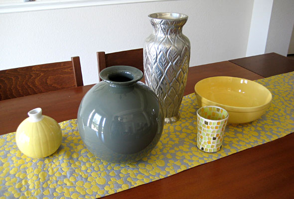 Easy Centerpiece Thrifted Vases